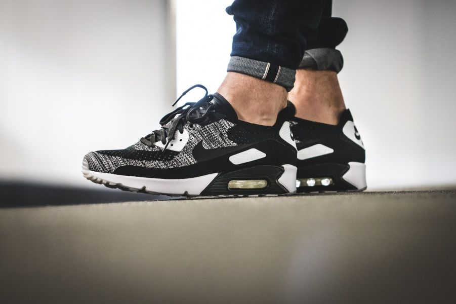 e24f70abd5b6f Men s Tennis Shoes · Black And White · Deporte · Sports · Nike - Air Max 90  Ultra 2.0 Flyknit (schwarz   weiß) - 875943-