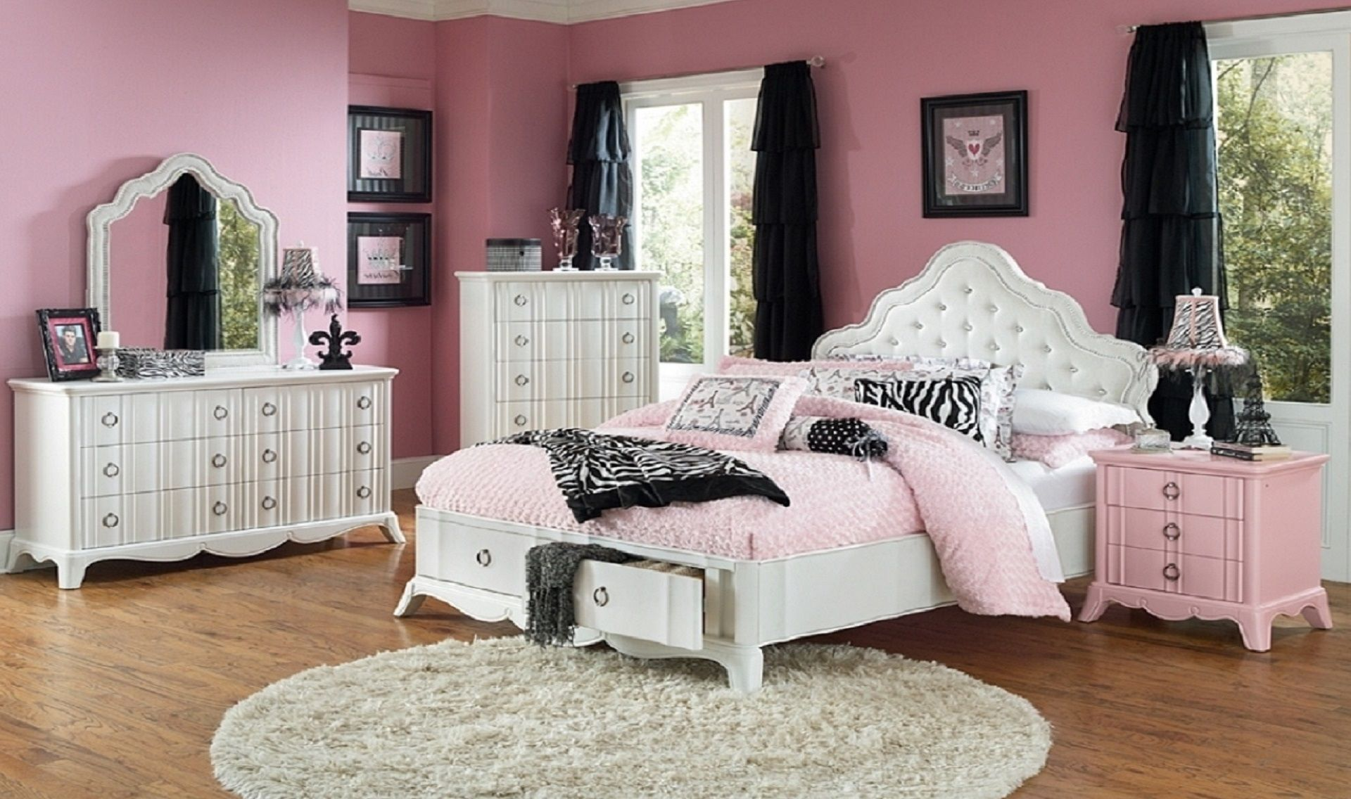 int. pink & black bedroom large #episodeinteractive #episode size