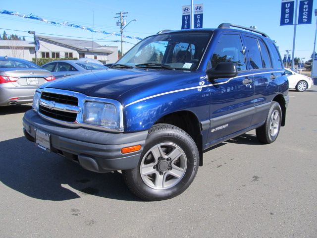 7995 This 2004 Chevy Tracker Is A Hard To Find Low Price Small Suv
