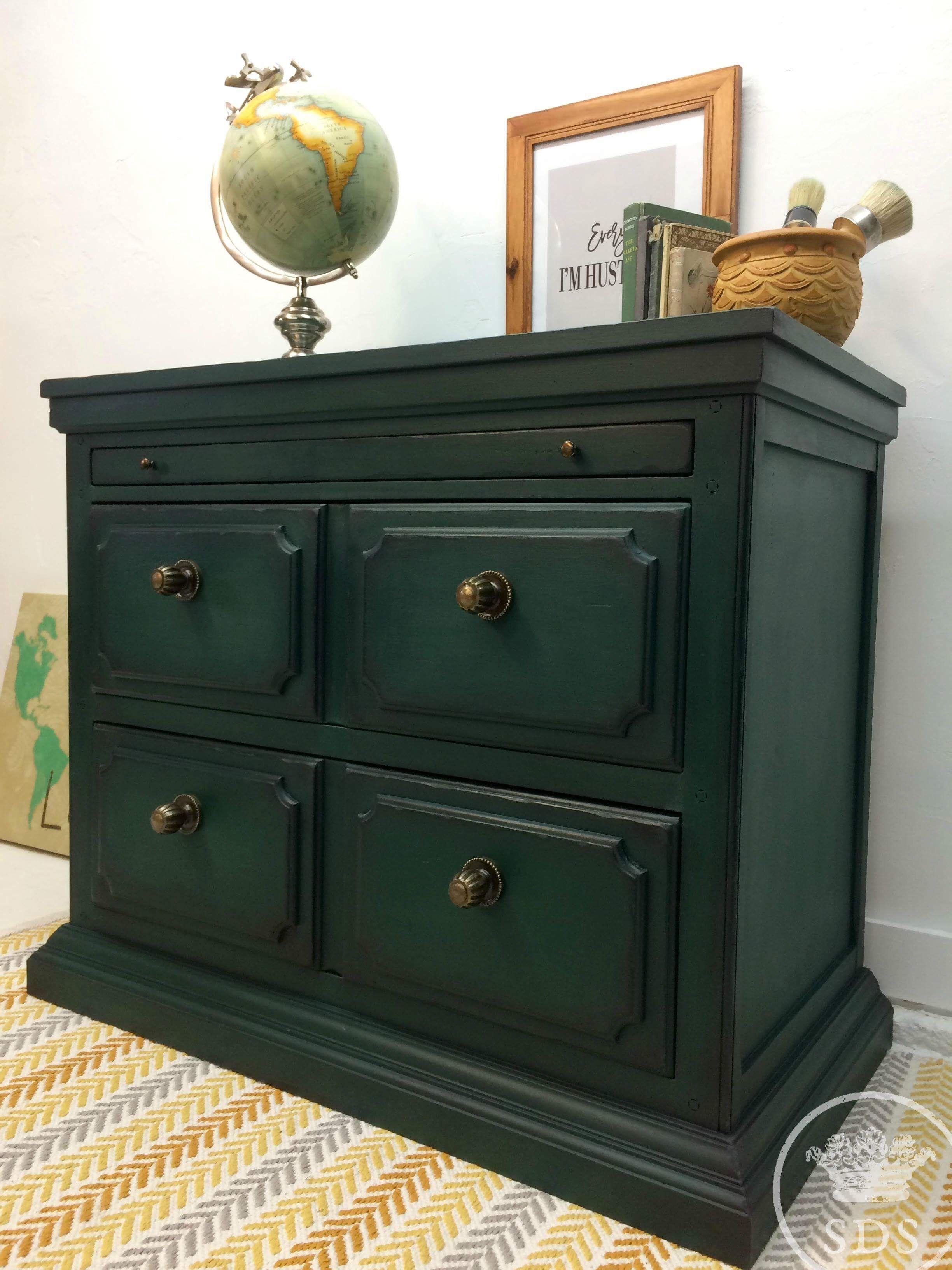 Hunter Green Painted Dresser Nightstand Entry Furniture Green Painted Furniture Green Furniture Green Nightstands [ 3264 x 2448 Pixel ]