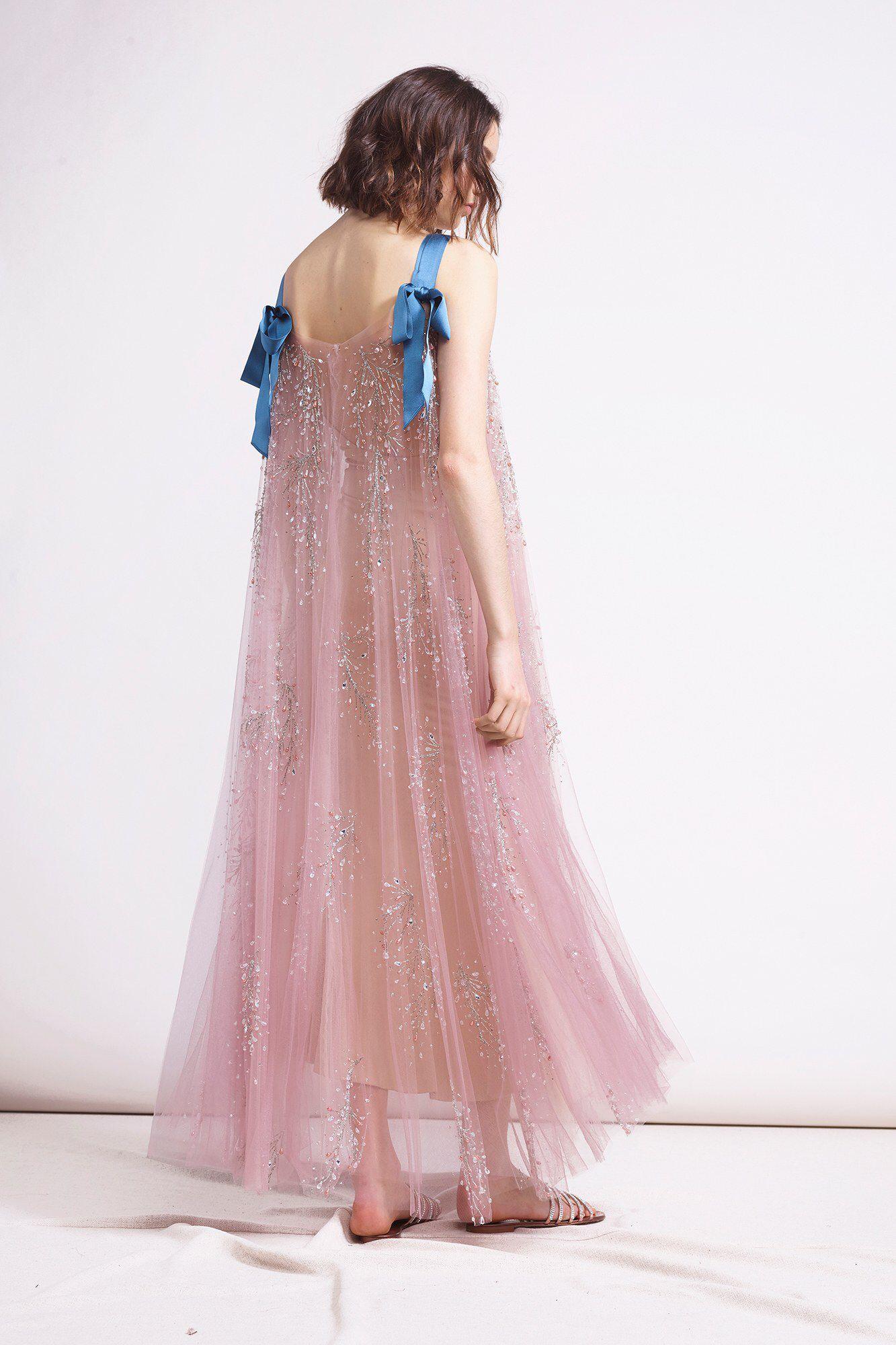 Reem Acra Pre-Fall 2018 Fashion Show Collection | novias | Pinterest ...