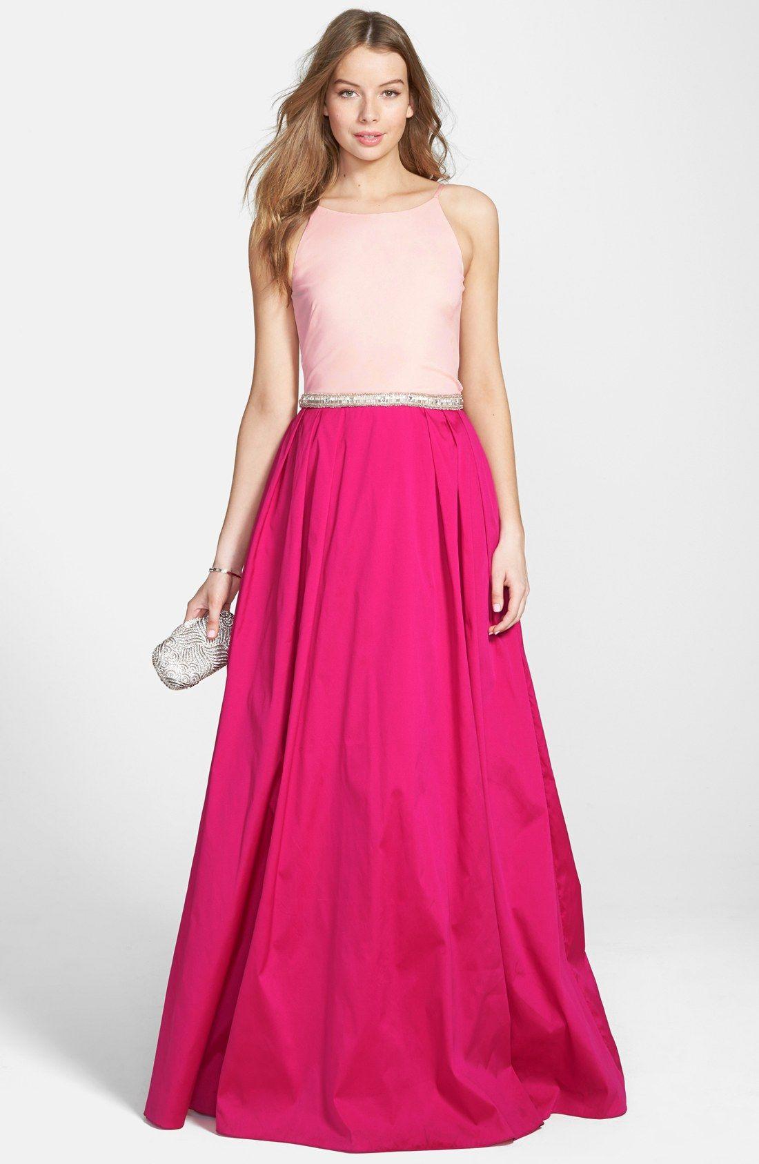 Tips para poder usar un vestido rosa en tu graduación | Pinterest ...