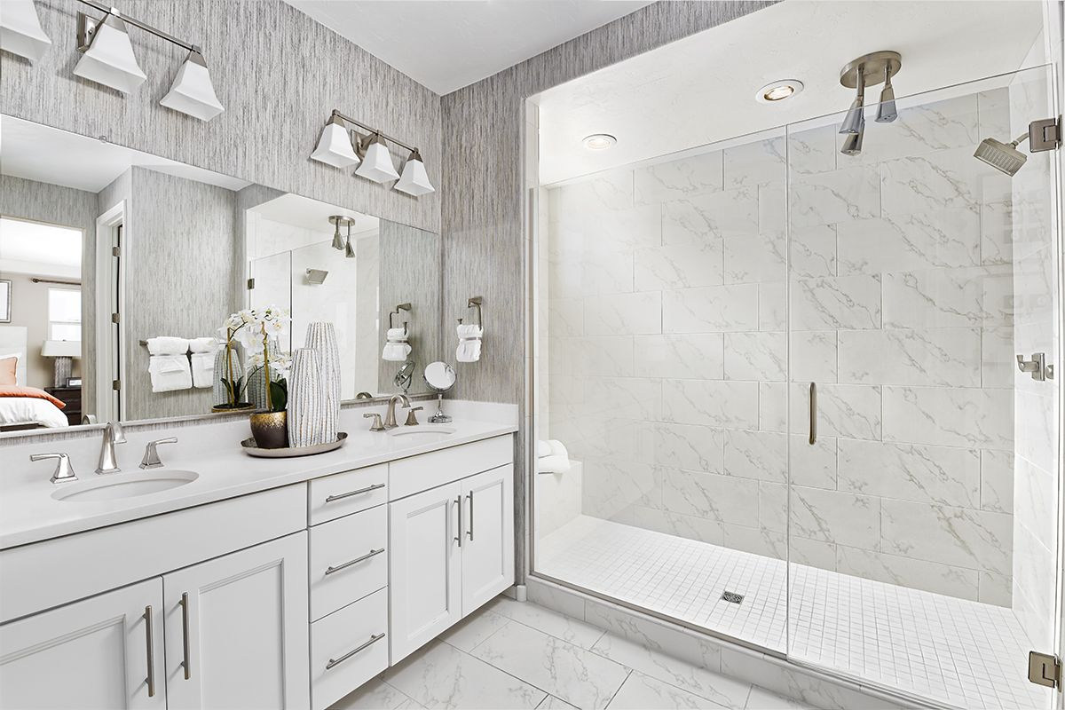 Walk In Shower With Frameless Glass Enclosure Multiple Shower Heads And A Built In Bench Layla Richmond American Homes Richmond Homes Multiple Shower Heads
