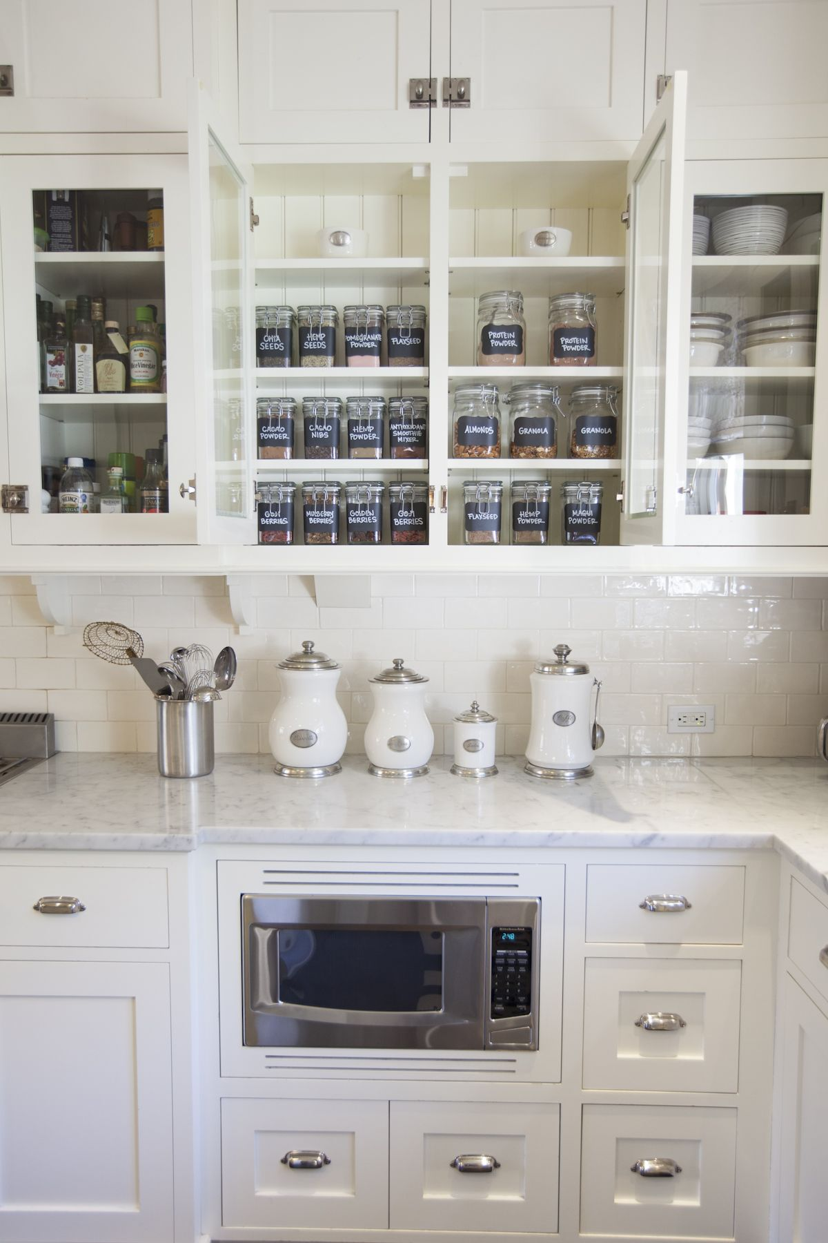 organized kitchen // Organizing Spotlight: Neat Method // Arianna ...