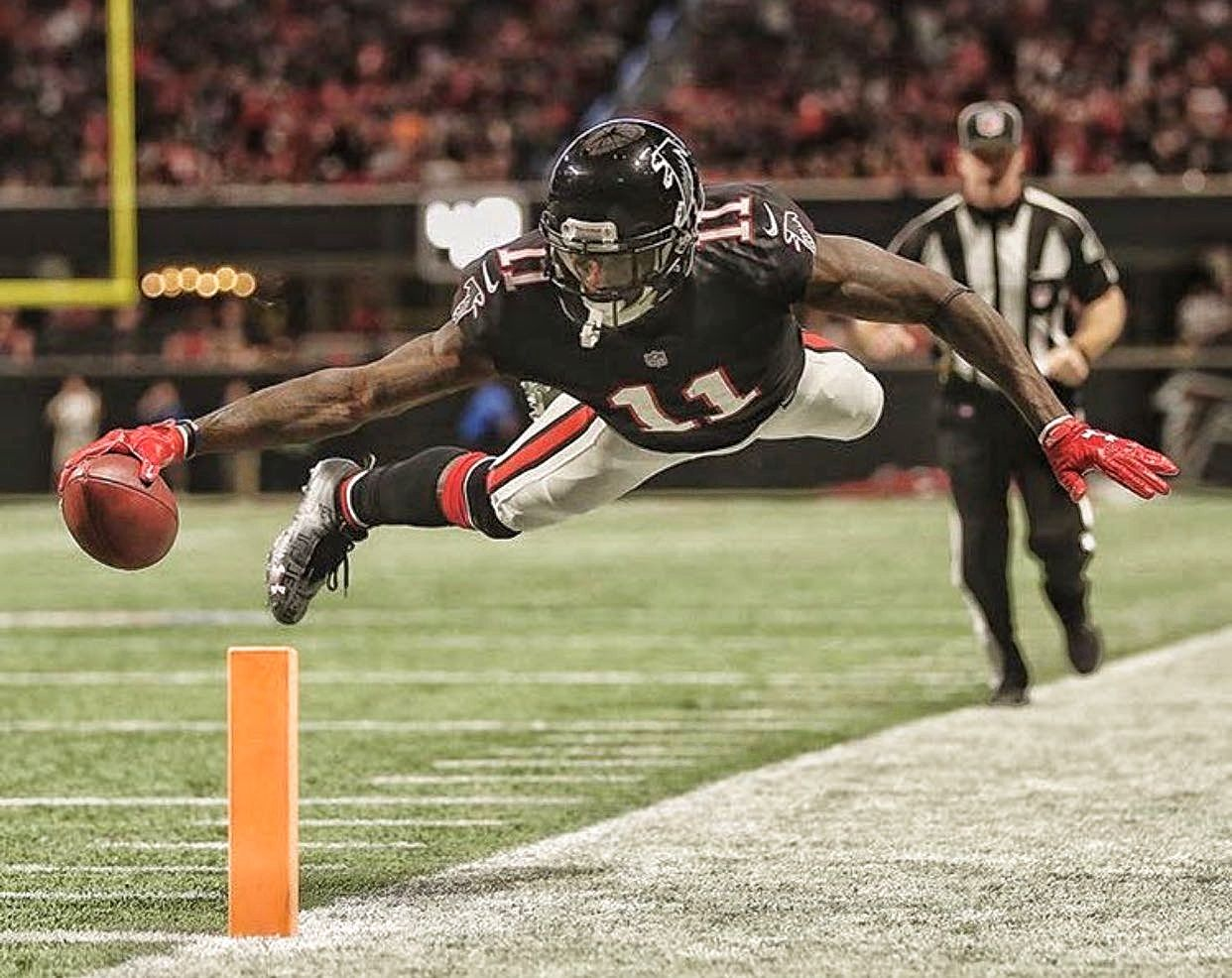In The Win Against The Tampa Bay Buccaneers Julio Jones Let It Be Known He S Still The Nfl S Best And Most Dominant Receiver In The