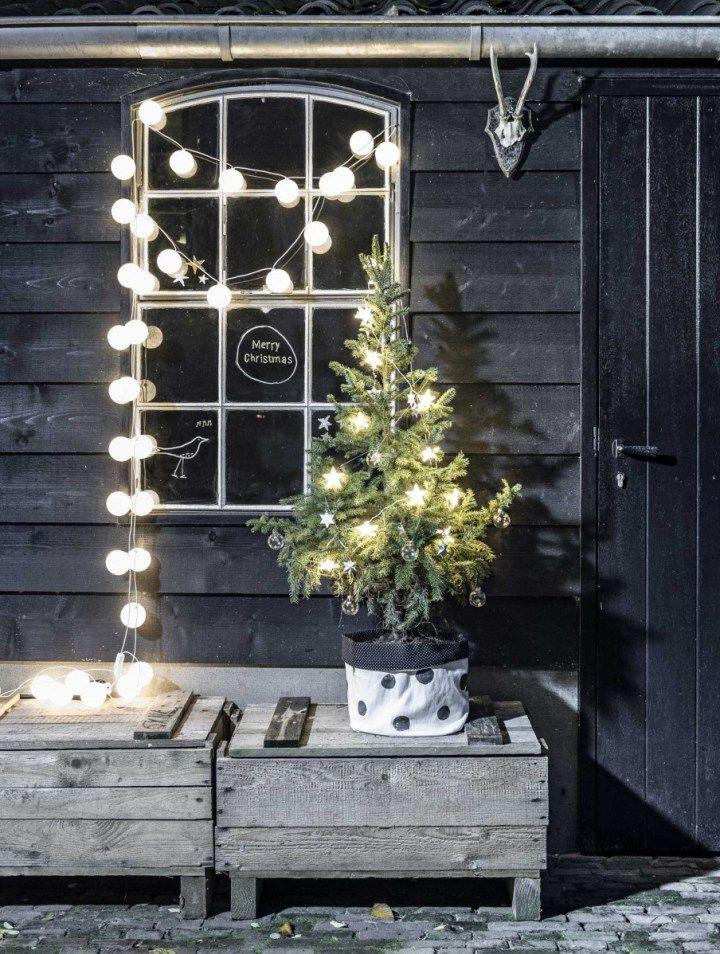 Luces y guirnaldas en la decoración nórdica navideña Navidad - Luces De Navidad