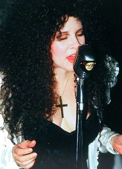 Stevie Nicks With Dark Hair Wow Stevie Nicks Fleetwood Mac Stevie Nicks Stevie