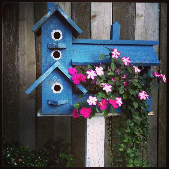 Loverly backyard birdhouse