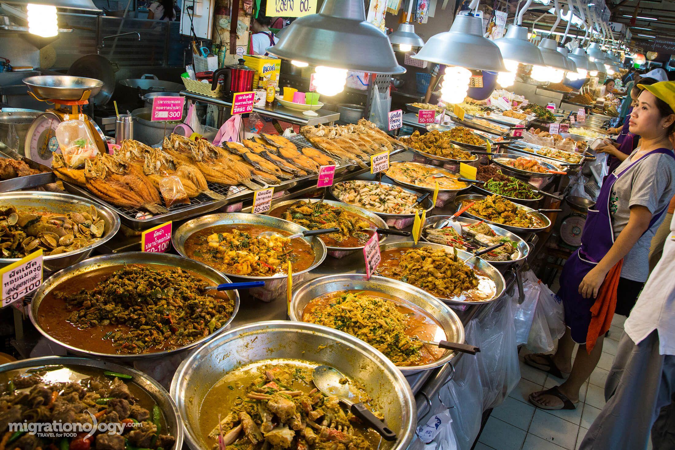 What to Eat at Or Tor Kor Market (ตลาด อตก) in Bangkok ...