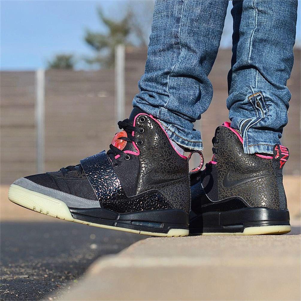 Kanye West X Nike Air Yeezy 1 Blink Sneakers Box Nike Sneaker Head