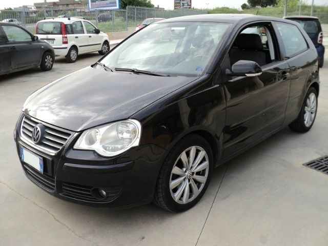 Volkswagen Polo 1 4 Tdi 80cv Highline Cerchi Da 16 Radio Mp3 A