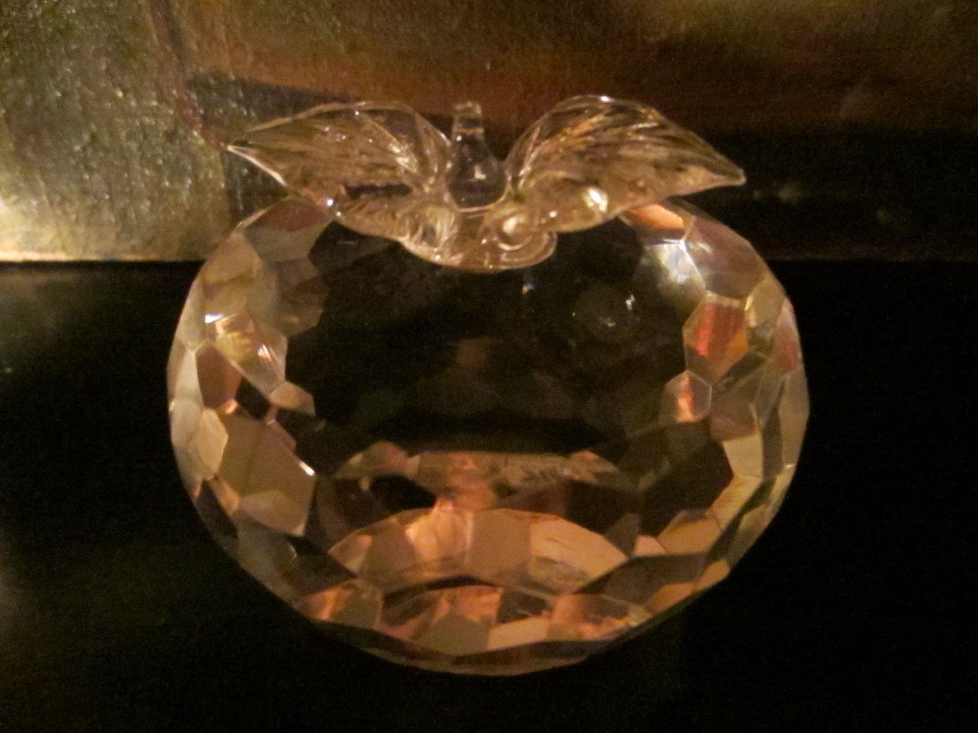 Marble Art Crystal Apple