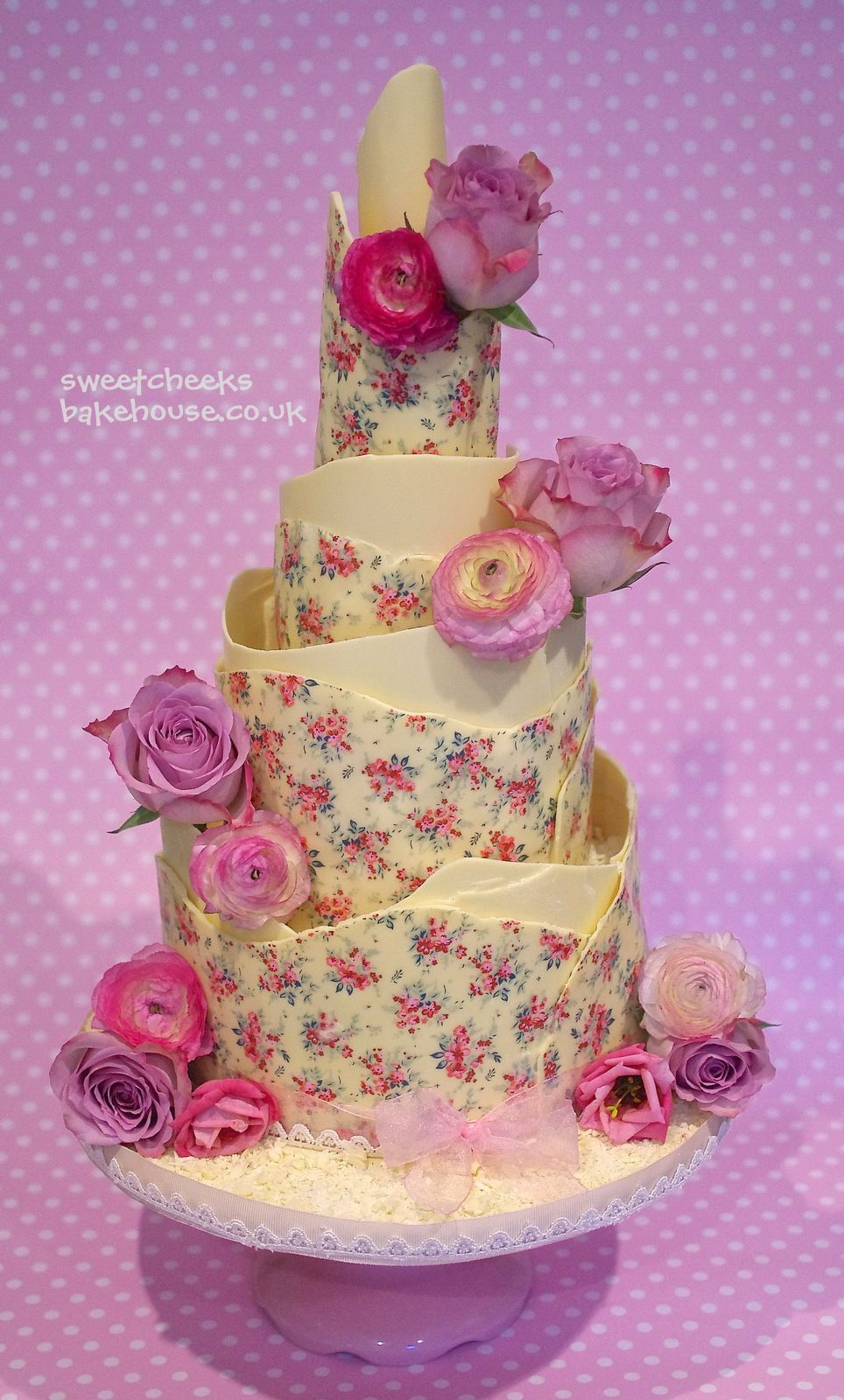 Round wedding cakes a new design for vintage is still the