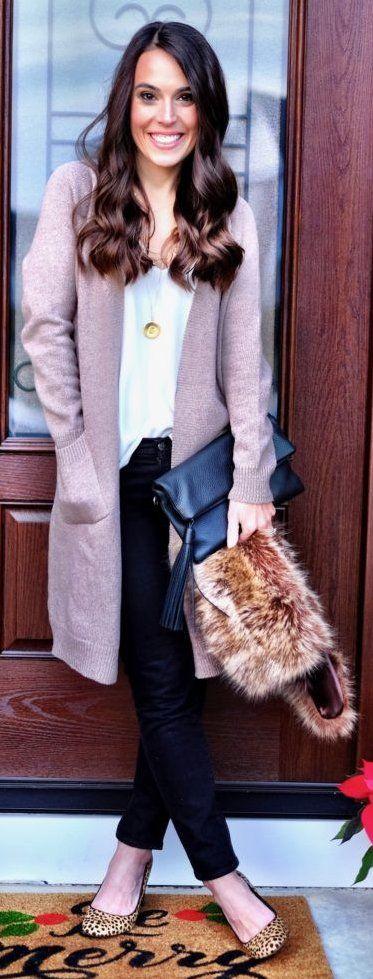 #winter #fashion /  Pink Maxi Cardigan / White Blouse / Black Jeans / Leopard Flats