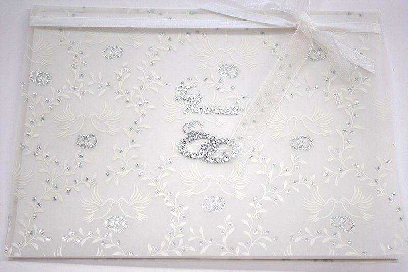 *Zur Hochzeit   Diese wunderschöne Karte zur Hochzeit habe ich aus einem edlen Transparentpapier, weißen Satin- und Ciffonbändern und zwei mit Sc...