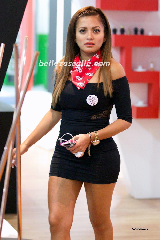 2631a65f2 Mujeres sexys con vestidos cortos
