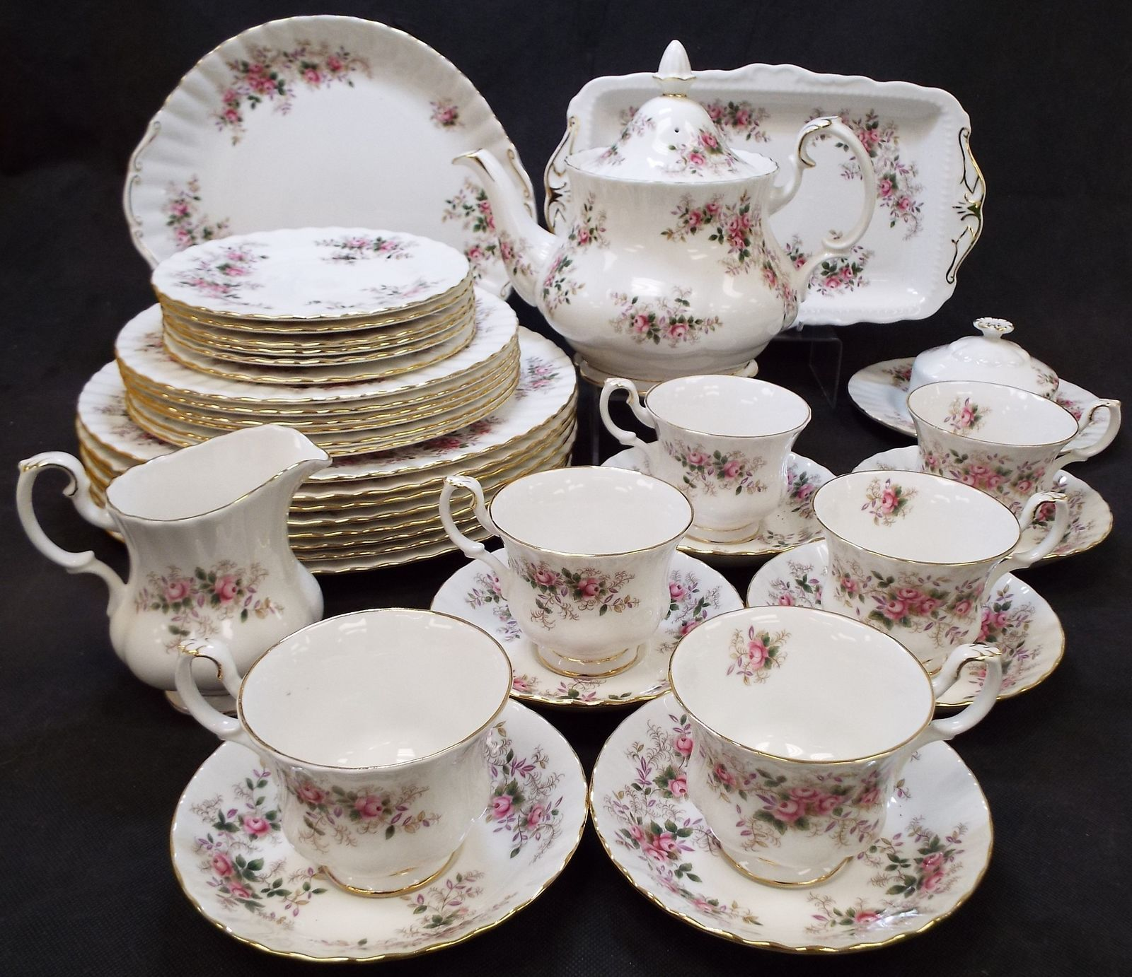 Royal Albert Bone China 37 Pieces Tea Dinner Set Made In England C41 Ebay Tea Dinner Sets Bone China