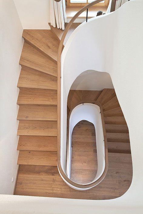 Treppe mit geöltem Parkett | wooden stairs out of parquett www.planeo.de