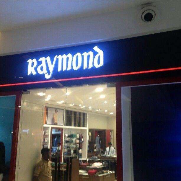 In collaboration with Raymond from oberoi mall! #TheVindoShop #LetsVindoShop #VindoShopper #VindoShopSale #ShoopingApplication #Shopping #Shopaholics #Mumbai #Malls #InstaShoppers #potd #Sale #Mumbaikar #Instadaily #Instagram #Shoppers #StayTuned #ComingSoon #VindoShopMumbai #VindoShopDeals #Discounts #Deals Subscribe to www.vindoshop.com for updates.