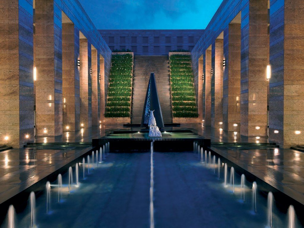 Grand hyatt mumbai india hotels indiatravel luxury for Top design hotels india