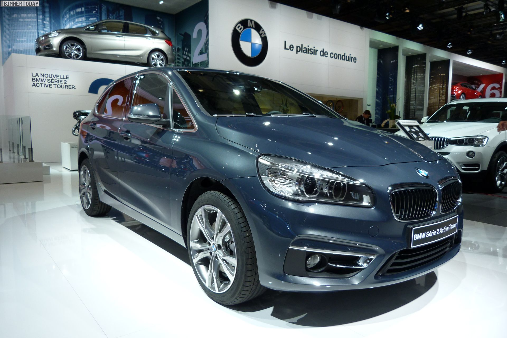 2014 bmw 2er active tourer f45 220d xdrive atlantikgrau paris autosalon live 01 bmw. Black Bedroom Furniture Sets. Home Design Ideas