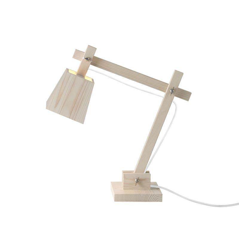 Wood desk lamp er designet av TAF Architects fra Sverige.   Denne lampen går i fullstending motsatt retning av alle ande bordlamper,   ved å være low-tech istedenfor high-tech.   Den er minimalistisk i formen, men med et varmt utrykk.   Design: Muuto   Wood desk Lamp   Farge: hvit ledning   Detaljer: Synlige skruer   Materiale: tre, ledning i gummi   Mål: H 50 x B 50cm , base: 16 x 16 cm   Max 40Watt