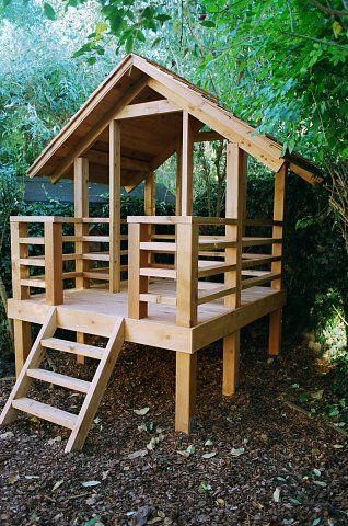 Best Western Red Cedar Play House With Porch And Cedar Shingle 640 x 480