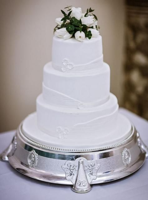 Elegant Smaller Size 3 Tier White Wedding Cake With Fresh Flowers On Top