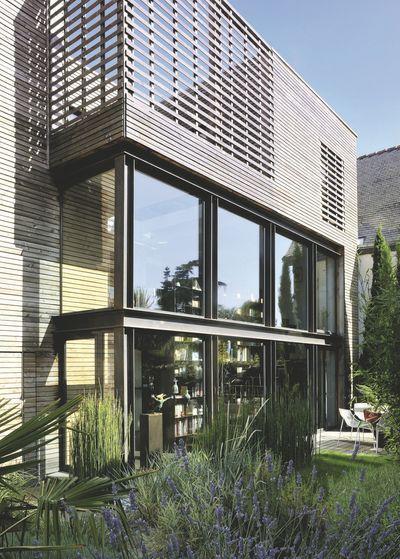 maison bois extension d 39 une maison de ville de 45 m2 frances o 39 connor bretagne and photos. Black Bedroom Furniture Sets. Home Design Ideas