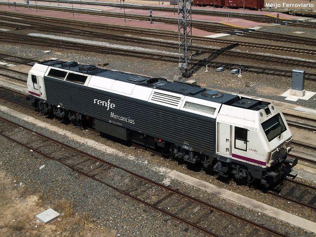 Las Locomotoras Prima De La Serie 333 3 Las Principales Maquinas Diesel De Renfe Locomotora Locomotora Diesel Tren
