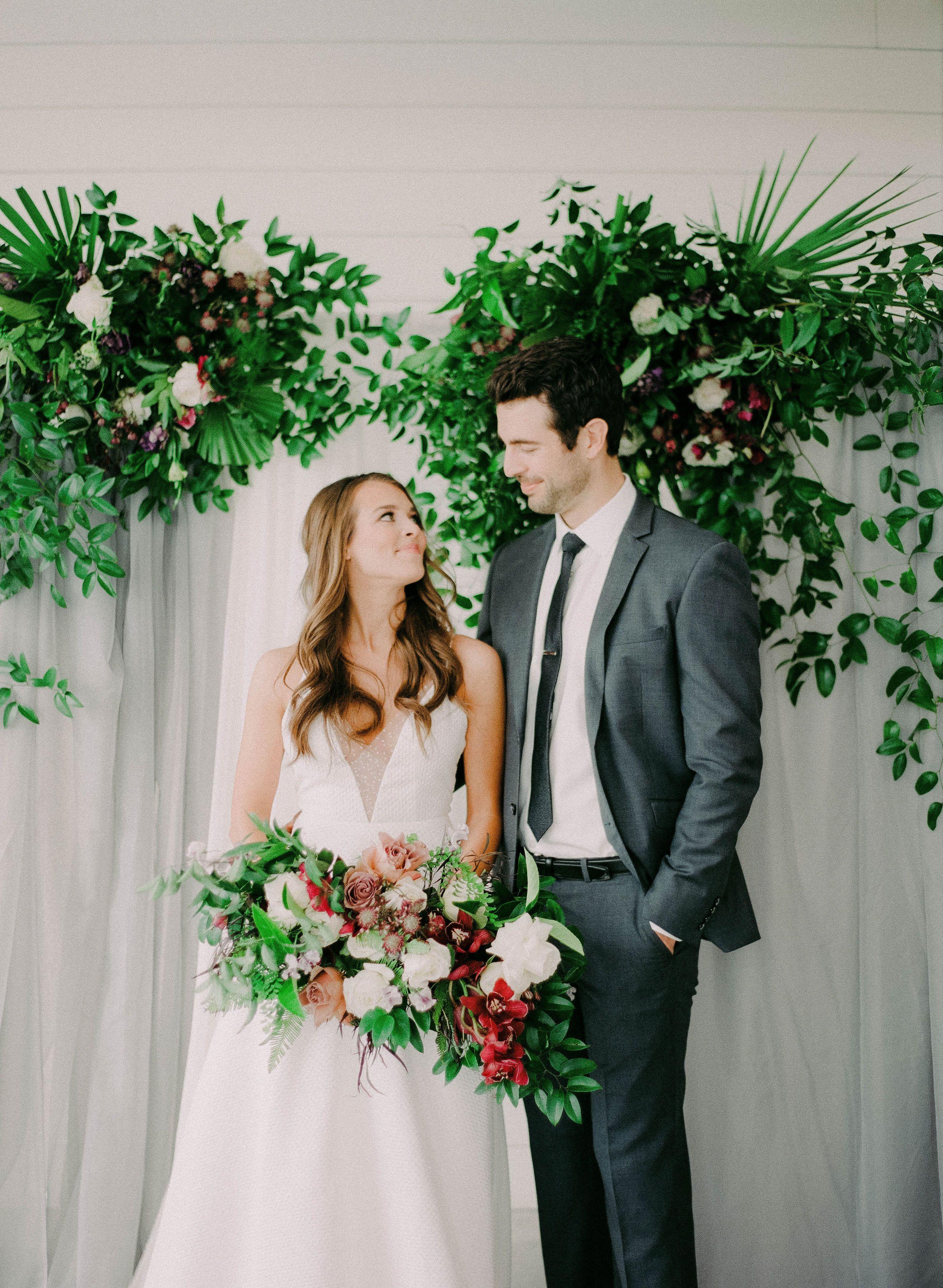 Photo Image Clairity Florals Roses Mint Venue Anew Dress The Bridal Parlour Stlouisweddingflorist Weddingflor In 2020 Wedding Florist Wedding Fine Art Wedding