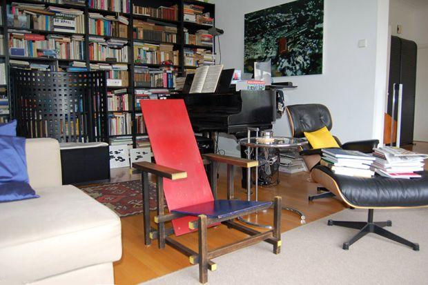 Rood Blauwe Stoel : Rood blauwe stoel gerrit rietveld  stained beech wood