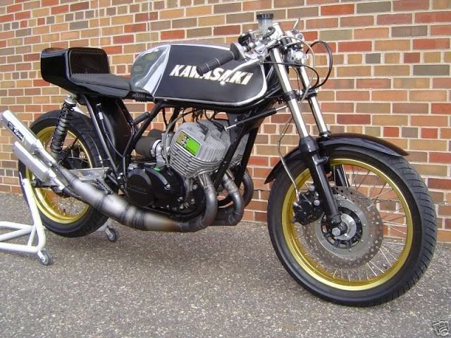 the kawasaki kh750 cafe racer 2 stroke triple bines old style Kawasaki Engine Specs the kawasaki kh750 cafe racer 2 stroke triple bines old style with modern motorcycle 2 stroke engines it is based on a lightweight chass