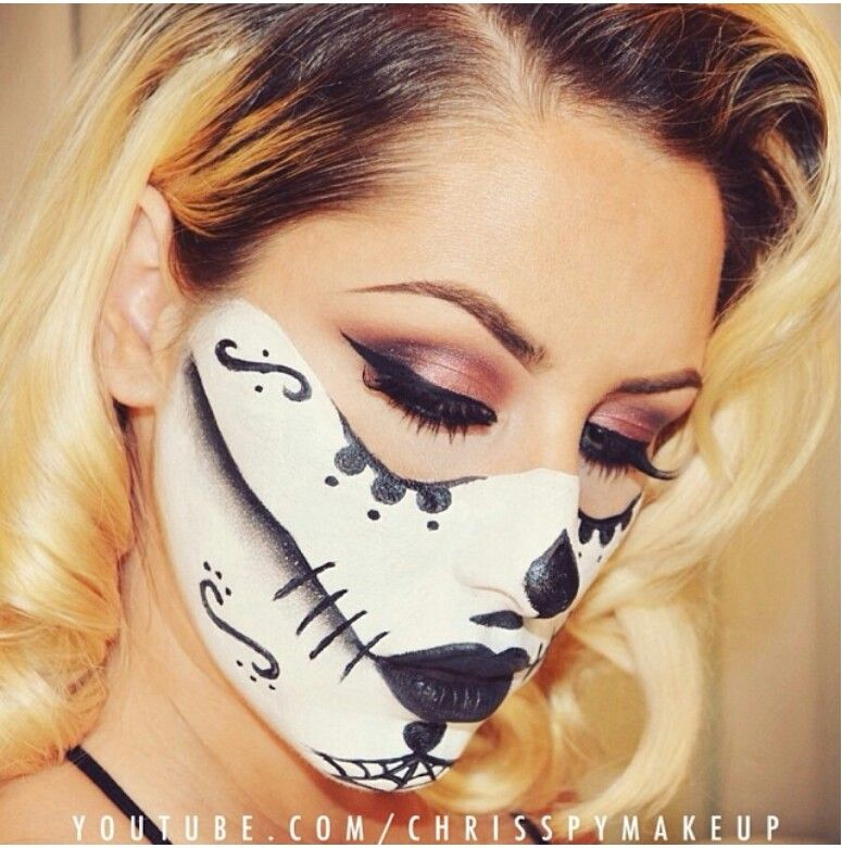 Halloween Makeup would be an interesting spin Halloween - cool makeup ideas for halloween