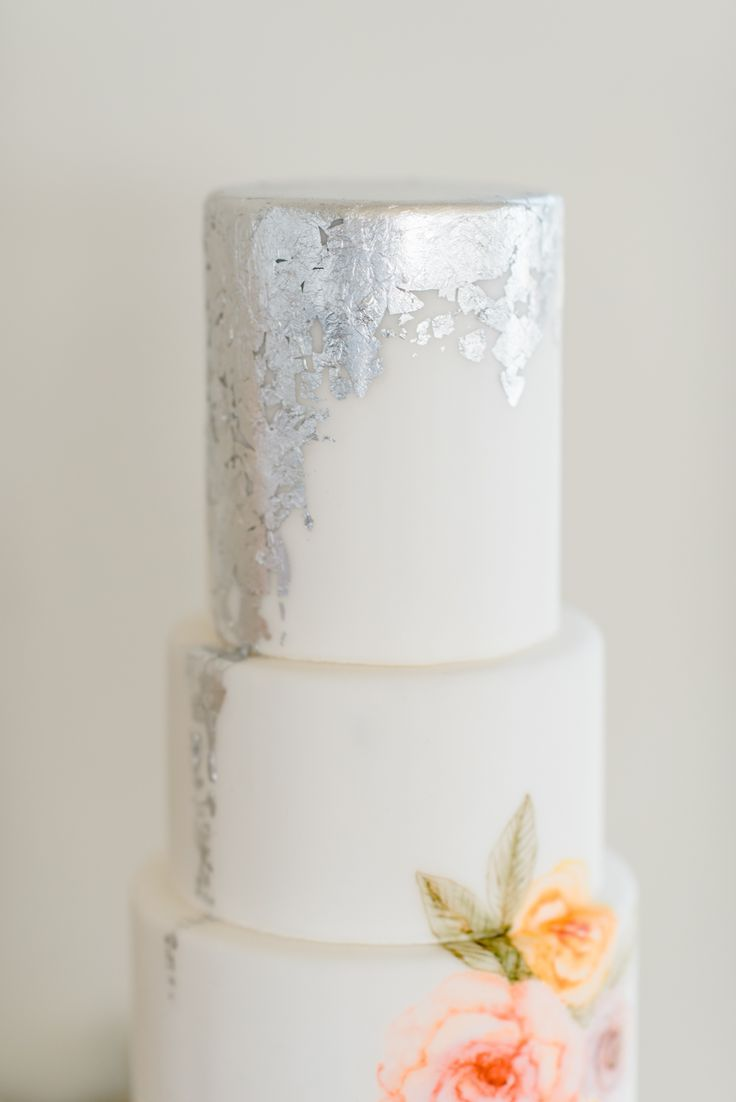 Floral Wedding Ideas at the Bradford, NC. Sweet Fix Floral cake ...