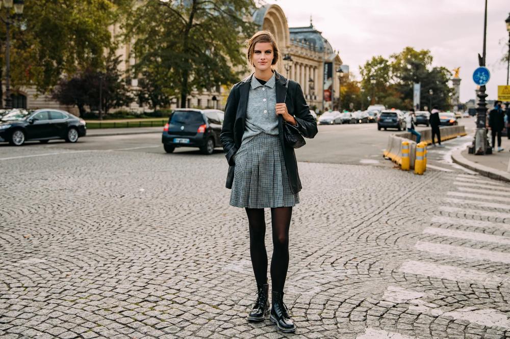 The Best Street Style From Paris Fashion Week Spring 2021 | Vogue in 2020 |  Cool street fashion, Paris fashion week, Fashion week