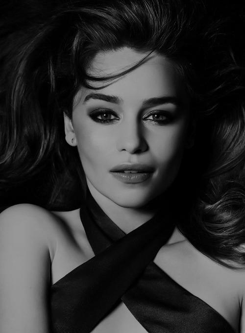 Pin By Amanda Mcclure On Beautiful Emilia Clarke Beauty Emilia Clarke Hot