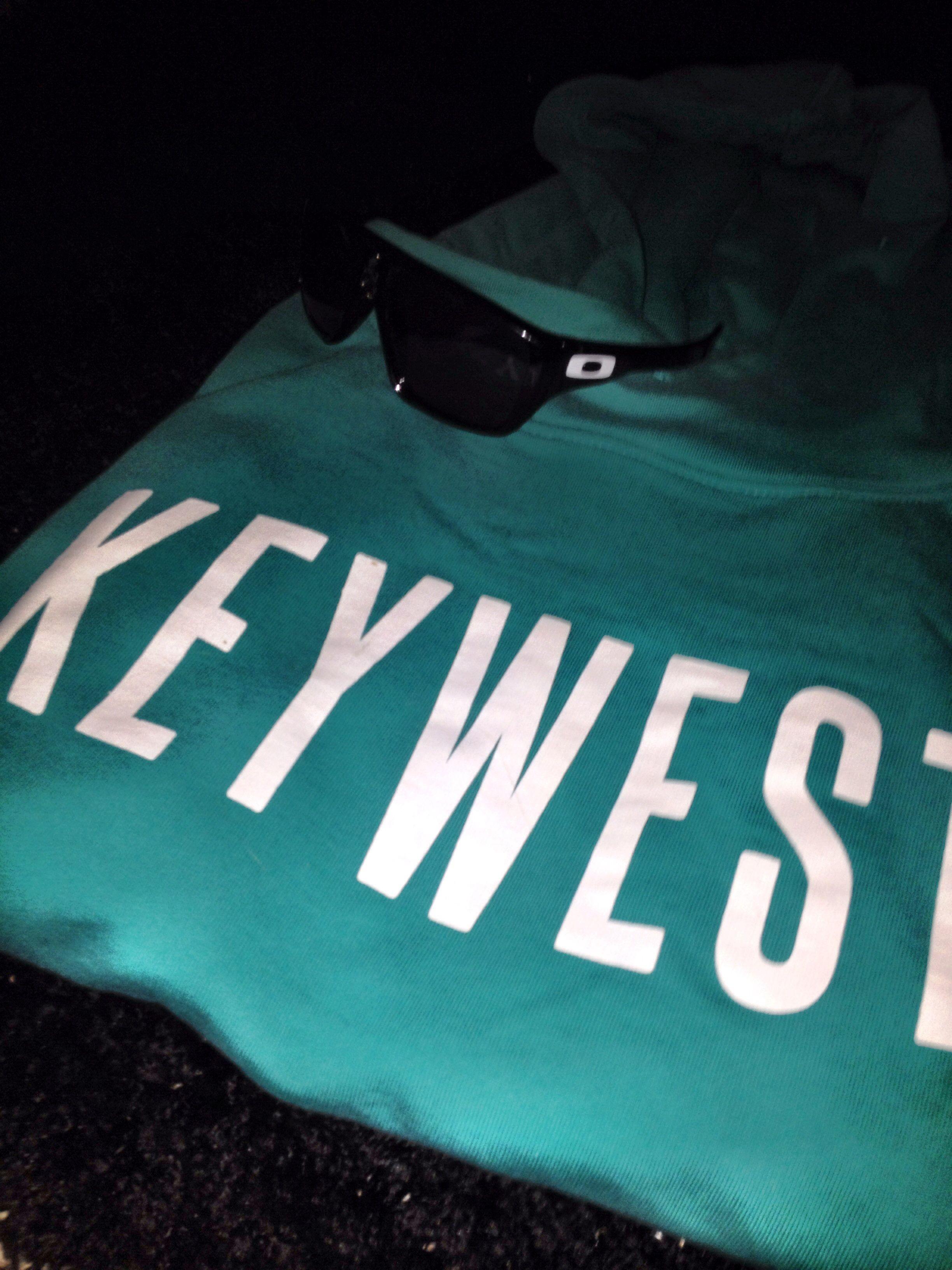 Oakley shades JJ hoody ready for the coast. #keywestflorida