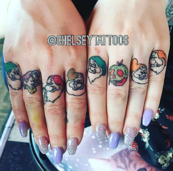 35 Of The Best Knuckle Tattoos For Men And Women (With