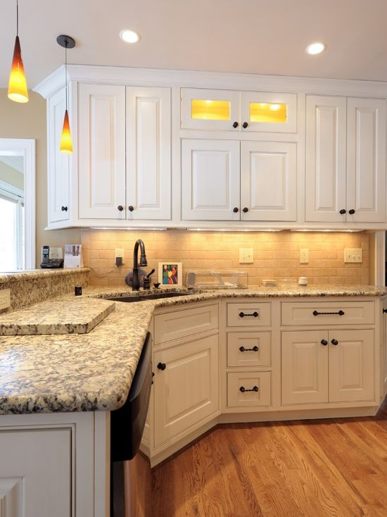 Love The Look This Kitchen Hardwood Flooring Bright But Not Much That