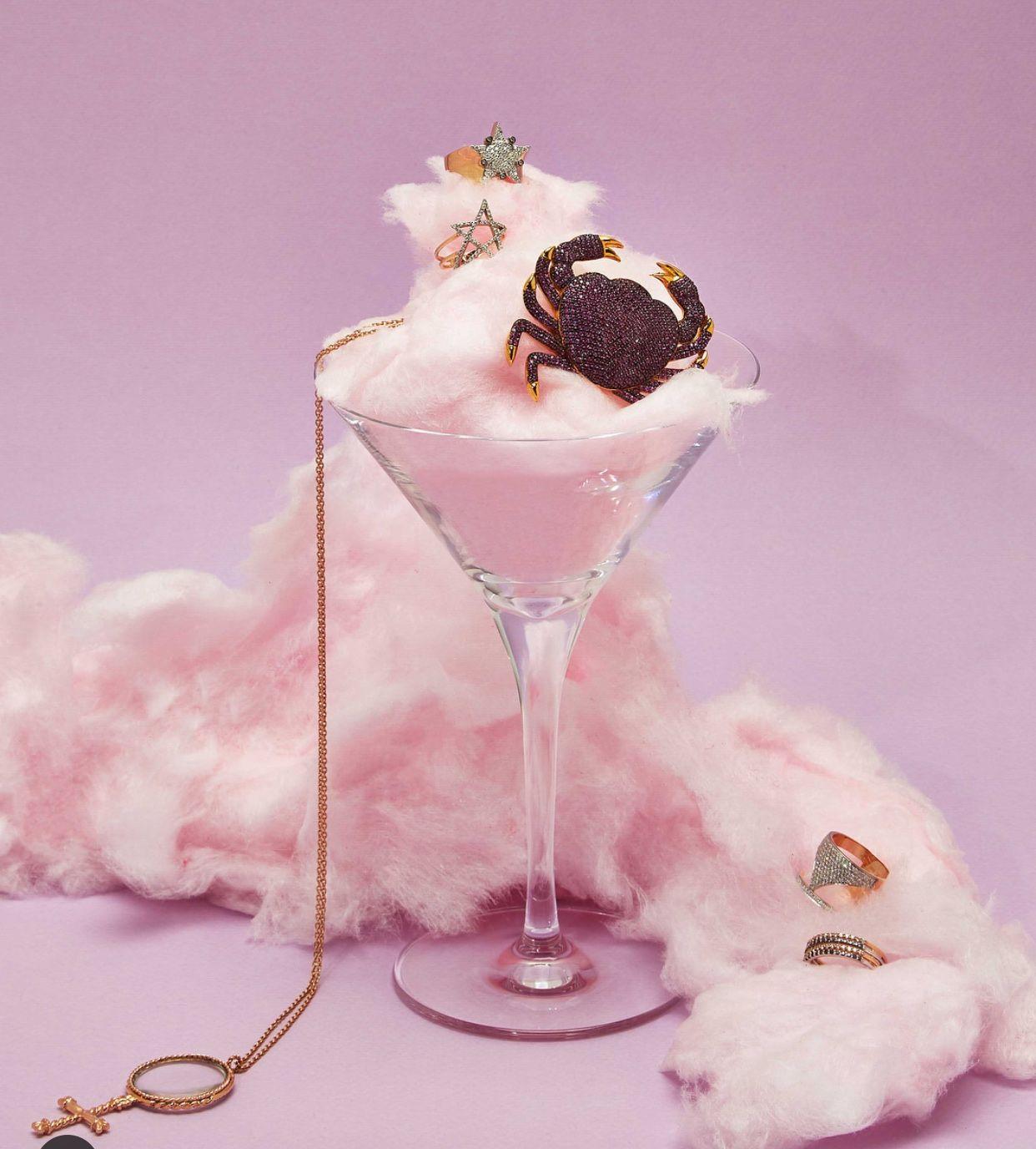 Pin By Cecily Bochannek On Pink: Sieraden Fotografie