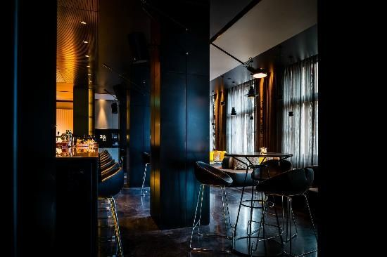Bar 5&33, Amsterdam. This bar is the favourite of art ...