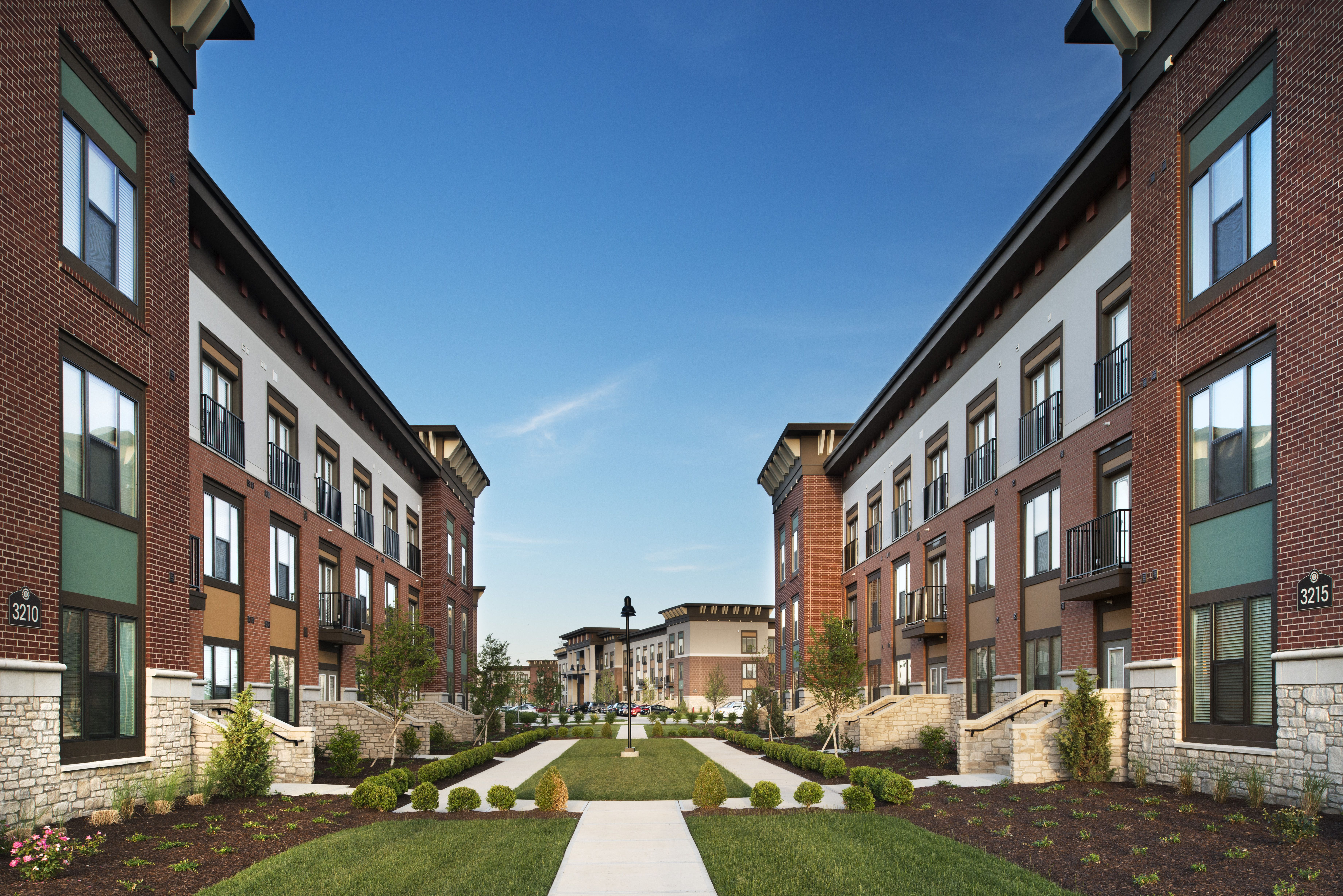 Welcome Home To The Boulevard At Oakley Station Located In Cincinnati Ohio Apartments Apartments For Rent Apartment House Styles