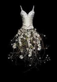 Resultado de imagen para vestidos de flores naturales