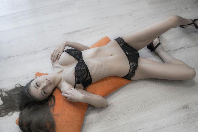 I Like Naked Girls