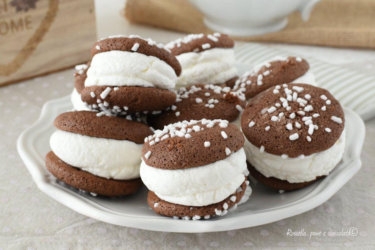 I Biscotti coppie al cioccolato sono dei dolci facili da fare che cuociono  in poco tempo