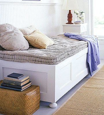 Turn Doors Into Furniture        This cleverly designed daybed was made using two matching full-size wooden doors.