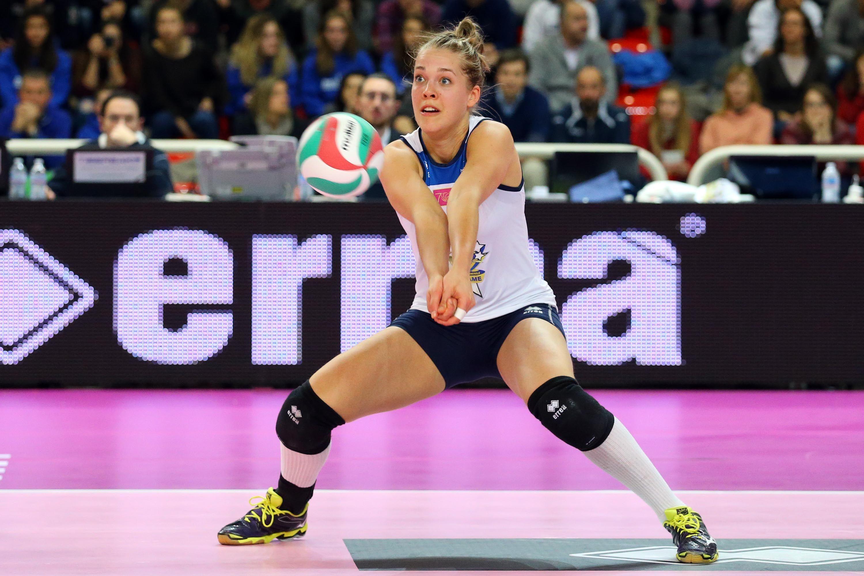 Femke Stoltenborg Dutch Volleyball Player Volleyball Players Sports Volleyball