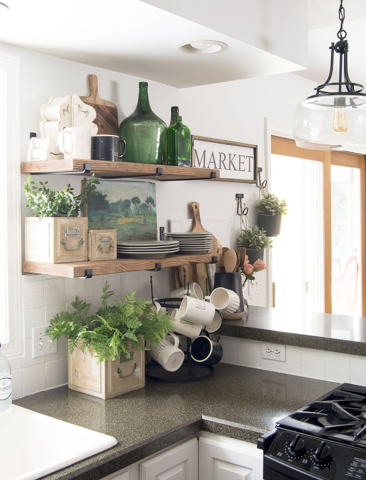 Open shelving for daily use is the new standard for modern