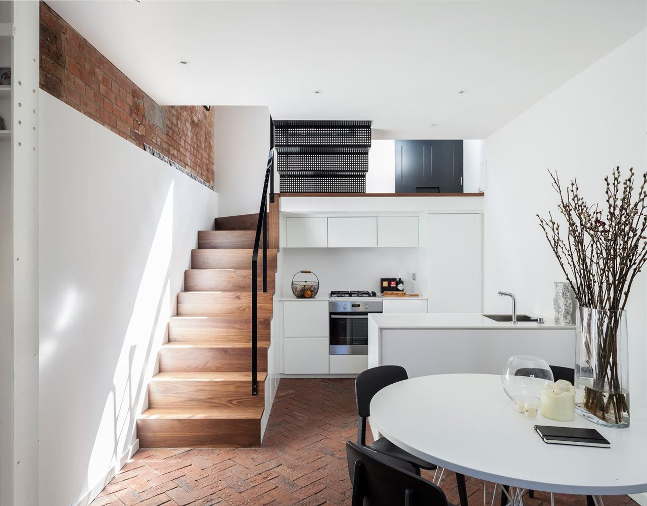 A Former Workshop Becomes A 3 Story Residence Minimalism